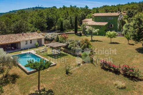 Villa de luxe à vendre CERESTE, 180 m², 3 Chambres, 690000€