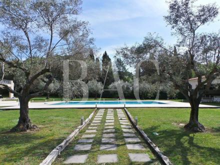 Villa di lusso in vendita MOUGINS, 855 m², 6 Camere, 5650000€
