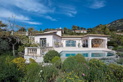 Luxury House for rent BEAULIEU SUR MER, 220 m², 4 Bedrooms,