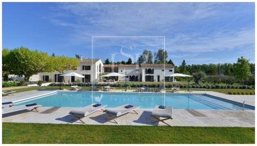 Luxury House for rent SAINT REMY DE PROVENCE, 900 m², 7 Bedrooms,