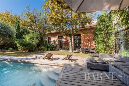 Maison de luxe à vendre MARSEILLE, 330 m², 5 Chambres, 2360000€