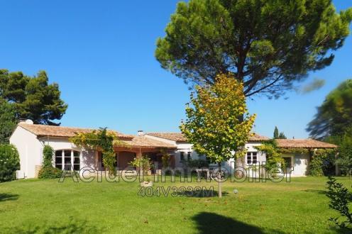 Villa de luxe à vendre SAINT REMY DE PROVENCE, 200 m², 4 Chambres, 750000€