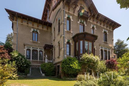 Hôtel particulier de luxe à vendre THIZY, 418 m², 9 Chambres, 735000€