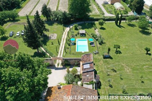 Luxus-Liegenschaft zu verkaufen PERNES LES FONTAINES, 450 m², 9 Schlafzimmer, 1150000€