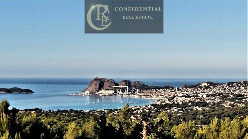 Maison de luxe à vendre LA CIOTAT, 300 m², 4 Chambres, 895000€