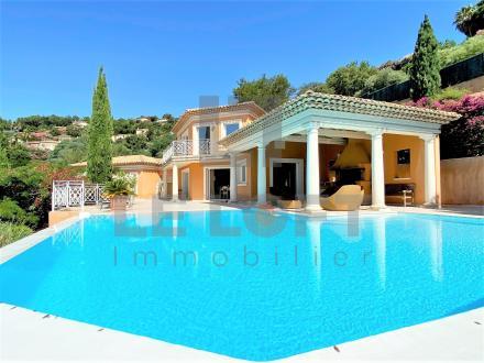 Villa de luxe à vendre SAINTE MAXIME, 250 m², 4 Chambres, 1690000€