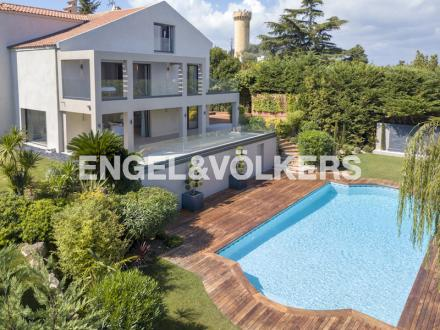 Luxury Villa for sale VALLAURIS, 440 m², 6 Bedrooms, € 3 900 000