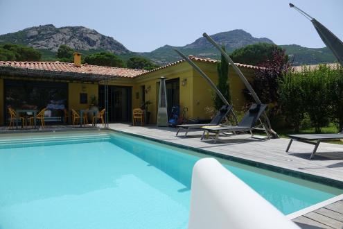 Luxury Property for sale CALVI, 220 m², 6 Bedrooms, €1080000