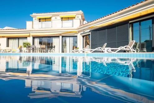 Вилла класса люкс на продажу  Ла-Сьота, 320 м², 7 Спальни, 1845000€