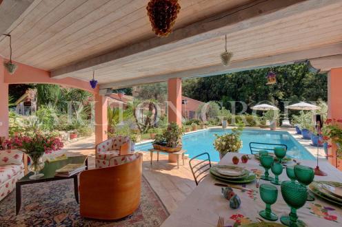 Casa di lusso in vendita GRASSE, 250 m², 4 Camere, 1190000€