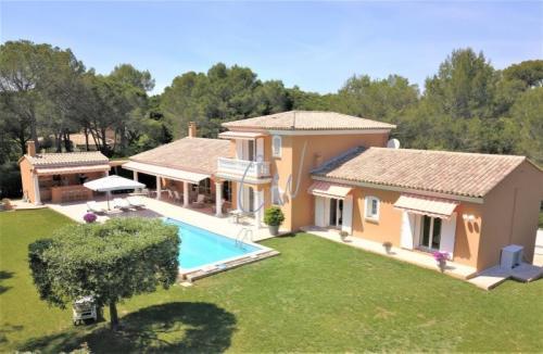 Casa di lusso in vendita SAINT RAPHAEL, 247 m², 5 Camere, 1723000€