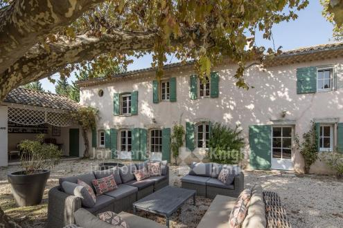 Farm de luxe à vendre AVIGNON, 250 m², 5 Chambres, 1350000€