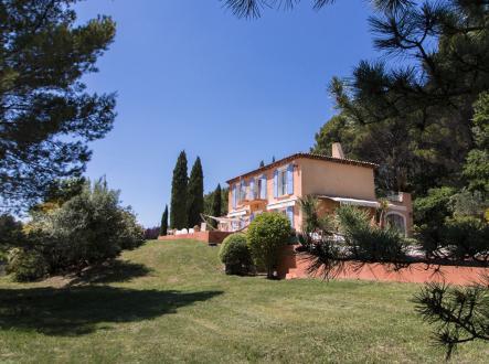 Luxury Property for sale MERINDOL, 250 m², 4 Bedrooms, €940000