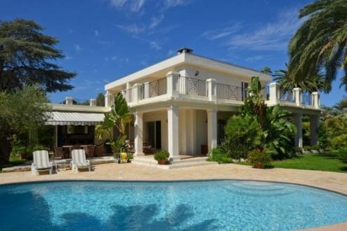 Maison de luxe à louer CAP D'ANTIBES, 280 m², 5 Chambres,