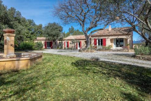 Дом класса люкс на продажу  Экс-Ан-Прованс, 283 м², 5 Спальни, 1370000€