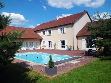 Propriété de luxe à vendre NEUFCHATEAU, 619 m², 7 Chambres, 983250€