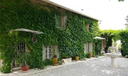 Bastide de luxe à vendre NOVES, 270 m², 5 Chambres, 700000€