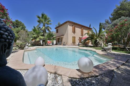 Maison de luxe à vendre MARSEILLE, 150 m², 3 Chambres, 730000€