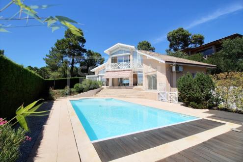 Maison de luxe à vendre LA TESTE DE BUCH, 207 m², 4 Chambres, 1090000€