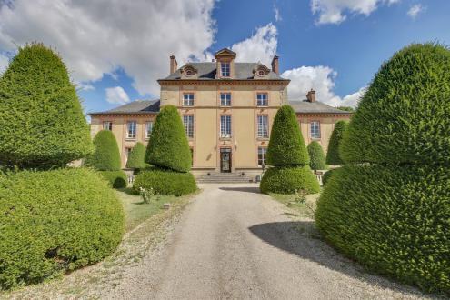 Château / Manoir de luxe à vendre FONTAINEBLEAU, 600 m², 10 Chambres, 1580000€