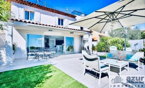Villa de luxe à vendre MANDELIEU LA NAPOULE, 134 m², 3 Chambres, 749000€