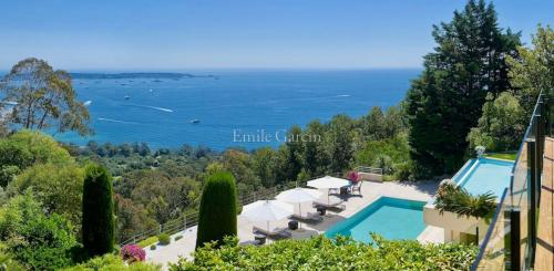Luxury House for rent CANNES, 420 m², 6 Bedrooms,