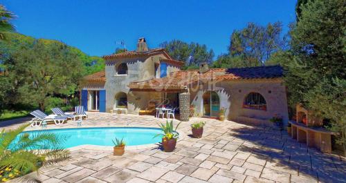 Luxury Villa for sale MOUANS SARTOUX, 104 m², 3 Bedrooms, €825000