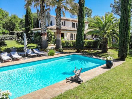 Villa de luxe à vendre GRIMAUD, 300 m², 5 Chambres, 2250000€