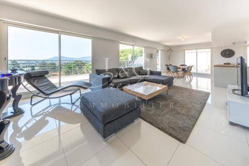 Luxus-Wohnung zu verkaufen MANDELIEU LA NAPOULE, 110 m², 3 Schlafzimmer, 768000€