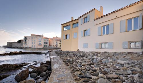 Appartement de luxe à louer SAINT TROPEZ, 90 m², 3 Chambres,
