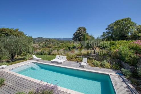 Farm de luxe à vendre VAISON LA ROMAINE, 170 m², 4 Chambres, 898000€