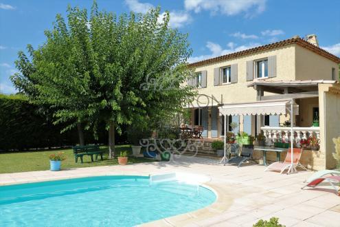Villa de luxe à vendre ROGNES, 122 m², 3 Chambres, 577000€