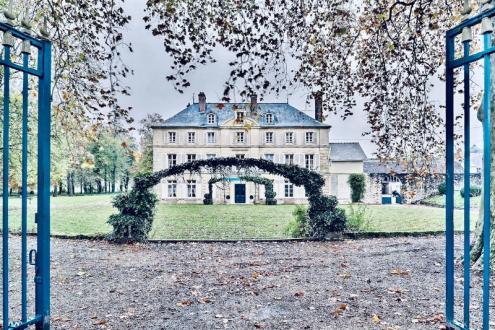 Château / Manoir de luxe à vendre DIANT, 2850 m², 10 Chambres, 3550000€