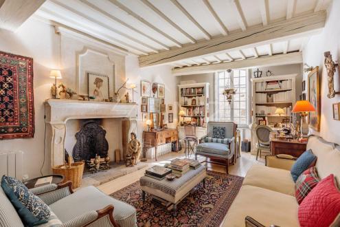 Дом класса люкс на продажу  Сен-Реми-Де-Прованс, 93 м², 2 Спальни, 650000€