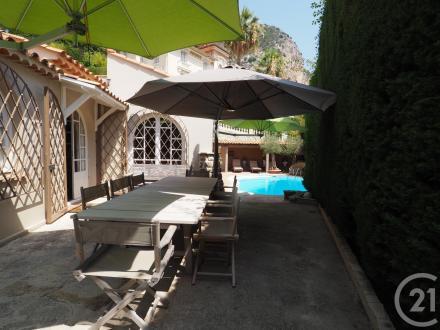 Дом класса люкс в аренду Больё-Сюр-Мер, 91 м², 4 Спальни, 6300€/месяц