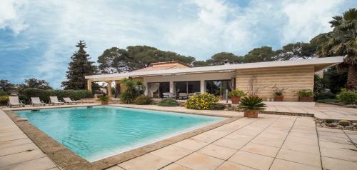 Luxus-Haus zu verkaufen NIMES, 238 m², 4 Schlafzimmer, 945000€