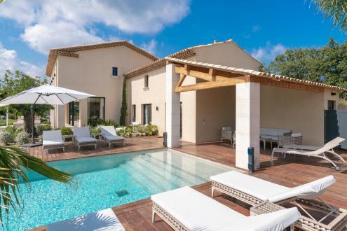 Дом класса люкс в аренду Сен-Тропе, 470 м², 6 Спальни,