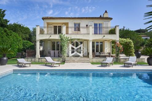 Дом класса люкс в аренду Сен-Тропе, 200 м², 4 Спальни,