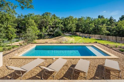 Luxury House for rent MENERBES, 90 m², 2 Bedrooms,