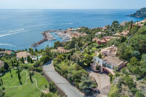Дом класса люкс на продажу  Теоль, 300 м², 6 Спальни, 4950000€