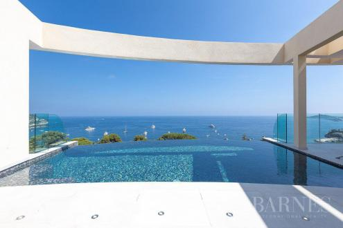 Luxury House for rent EZE, 360 m², 5 Bedrooms,