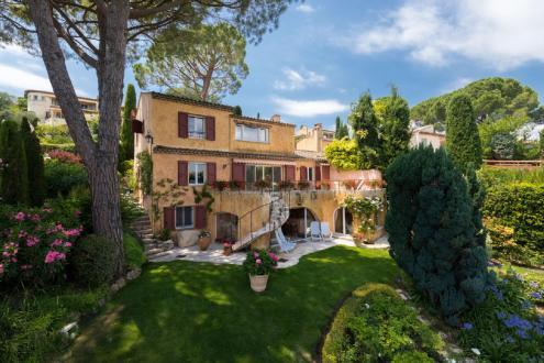 Propriété de luxe à vendre MOUANS SARTOUX, 194 m², 3 Chambres, 1050000€