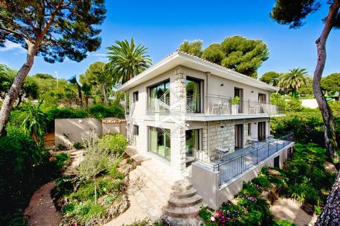 Villa de luxe à vendre ROQUEBRUNE CAP MARTIN, 230 m², 4 Chambres, 5150000€