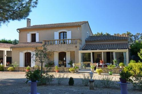 Luxury House for sale EYGALIERES, 4 Bedrooms, € 1 060 000