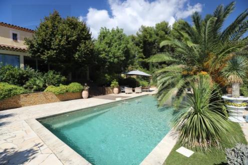 Casa di lusso in vendita LA CIOTAT, 315 m², 5 Camere, 1360000€