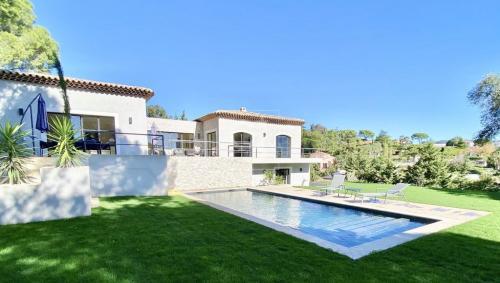 Villa de luxe à vendre CANNES, 440 m², 4 Chambres, 3990000€