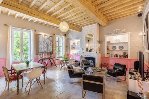 Tenuta di lusso in vendita VILLENEUVE LES AVIGNON, 900 m², 9 Camere, 3450000€