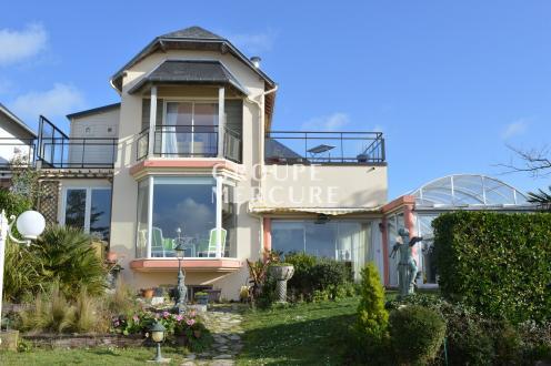 Maison de luxe à vendre CHAMPEAUX, 350 m², 5 Chambres, 1100000€