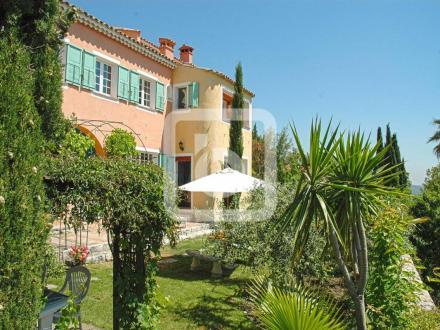 Propriété de luxe à vendre GRASSE, 334 m², 8 Chambres, 980000€