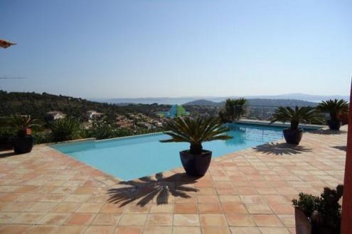 Maison de luxe à vendre SAINTE MAXIME, 280 m², 5 Chambres, 2392000€